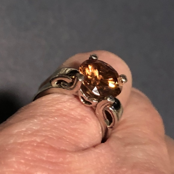 Sterling silver 5 5 ring w Amber lg  colored stone